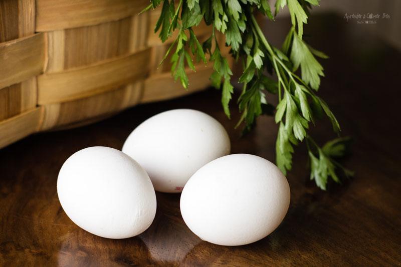 tres-huevos-blancos