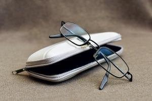 glasses-3965545_640